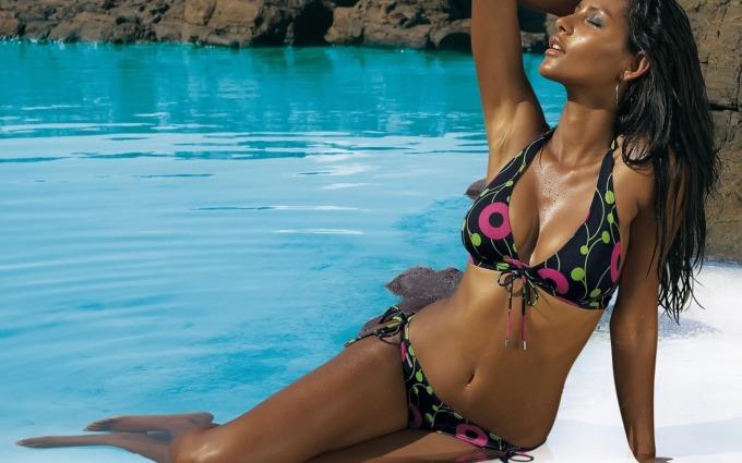 Women with bikinis videos